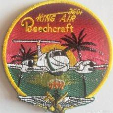 Militaria: PARCHE EMBLEMA DE BRAZO BORDADO A COLOR CON VELCRO BEECHCRAFT KING AIR 350 GUARDIA CIVIL. Lote 261234565