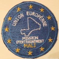 Militaria: PARCHE EMBLEMA DE BRAZO BORDADO A COLOR DE LA UNIÓN EUROPEA MISIÓN EN MALI. Lote 262392005