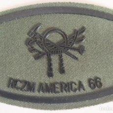 Militaria: PARCHE EMBLEMA DE PECHO VERDE FAENA DEL RCZM AMÉRICA 66. Lote 278411683