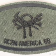 Militaria: PARCHE EMBLEMA DE PECHO VERDE FAENA DEL RCZM AMÉRICA 66. Lote 278432148