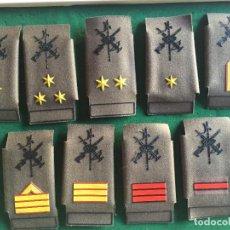 Militaria: LEGIÓN, LOTE 9 MANGUITOS PECO/ANTIFRAGMENTOS, EMPLEOS DIFERENTES. Lote 289683153