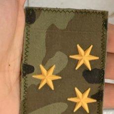 Militaria: INSIGNIA PARCHE PECHO TELA 3 ESTRELLAS COMANDANTE CAMARERO ALENDA LEGION LEGIONARIO TERCIO 5,5X8,5C. Lote 291510488