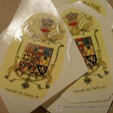 Militaria: 2 CALCOMANIAS ESCUDO CARLOS III. Lote 8398409