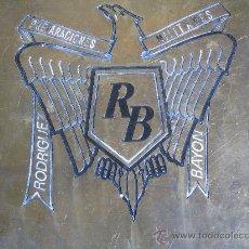 Militaria: PLACA DE COBRE O BRONCE PROPAGANDA PREPARACIONES MILITARES ROBRIGUEZ BAYON ,AGUILA FRANCO. Lote 26808324
