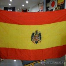 Militaria: ESPAÑA. BANDERA NACIONAL. MODELO 1938. GUERRA CIVIL ESPAÑOLA. CENTRO BORDADO. 281 X 157 CM.. Lote 29110409