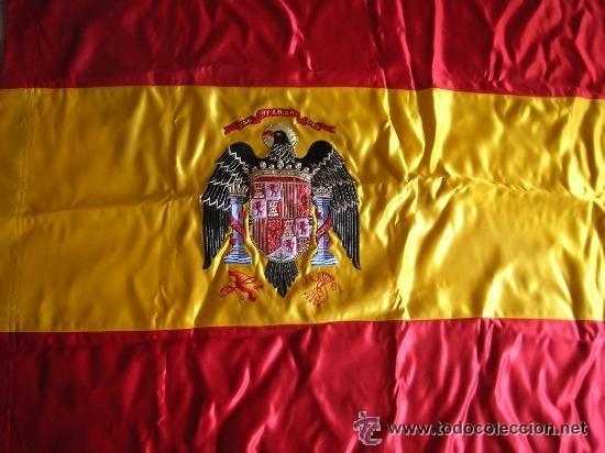 Militaria: ESCASA BANDERA BORDADA DE ESPAÑA. AGUILA SAN JUAN. EPOCA DE LA TRANSICIÓN. ORIGINAL DE EPOCA 100%. - Foto 3 - 38687791