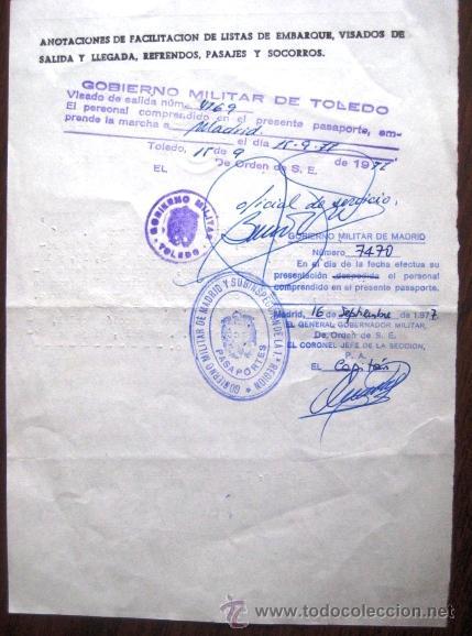 Militaria: PASAPORTE DESPLAZAMIENTO PARA LA FAMILIA DE UN TENIENTE CORONEL. 1977. . - Foto 2 - 41466725