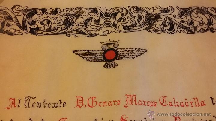 Militaria: DIPLOMA EJERCITO AIRE EPOCA FRANCO, A TENIENTE de fecha 7-11-1959, PARECE ESCRITO A MANO, ROKISKI - Foto 4 - 44888894