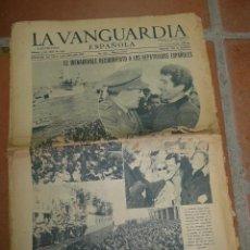 Militaria: LA VANGUARDIA. REGRESO REPATRIADOS DE LA DIVISION AZUL, 1954. Lote 47195154