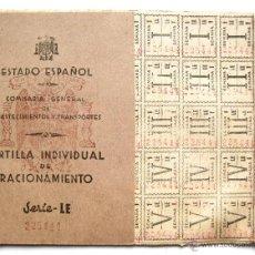 Militaria: CARTILLA CON CUPONES DE RACIONAMIENTO SERIE LE. 1943 LEON GUERRA CIVIL ESPAÑOLA. Lote 54202268