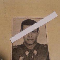 Militaria: ANTIGUO RECORTE DE PRENSA DEL EX PRESIDENTE DEL GOBIERNO DE MILITAR DON FELIPE GONZALEZ. Lote 55358377