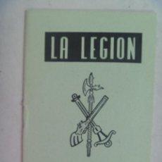 Militaria: LA LEGION : CREDO E HIMNOS LEGIONARIOS . ILUSTRACIONES DE JOSE Mª BUENO. Lote 210538273