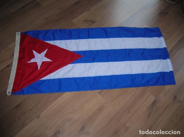 ESPECTACULAR BANDERA DE CUBA. ORIGINAL 100% CUBANA. ESTRELLA, TRIÁNGULO Y BARRAS BORDADAS EN TELA. (Militar - Propaganda y Documentos)
