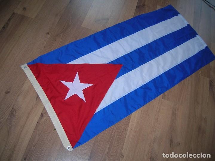 Militaria: ESPECTACULAR BANDERA DE CUBA. ORIGINAL 100% CUBANA. ESTRELLA, TRIÁNGULO Y BARRAS BORDADAS EN TELA. - Foto 5 - 68573213