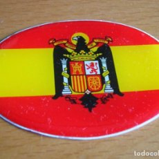 Militaria: ANTIGUO ADHESIVO BANDERA DE ESPAÑA FRANQUISTA CON AGUILA DE SAN JUAN.. Lote 71734495