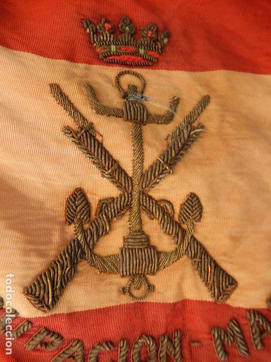 Militaria: Marina de Guerra. Bandera sobremesa. Infantería de Marina. Agrupación Madrid. De los años 1968-1975. - Foto 2 - 83646360