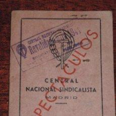 Militaria: FALANGE, CARNET DE LA CENTRAL NACIONAL SINDICALISTA, CNS, ESPECTACULOS, CARNET PROVISIONAL, AÑO 1939. Lote 89095148