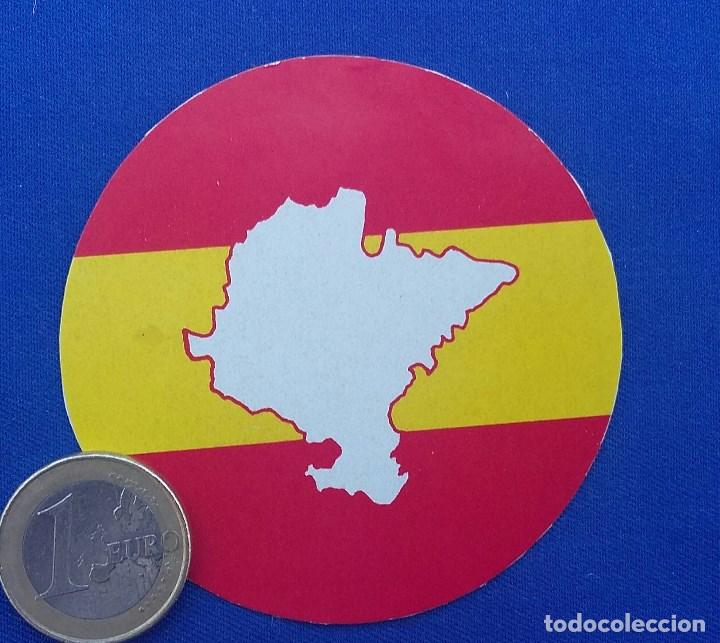 PEGATINA NAVARRA ESPAÑOLA- EDITADA EN LOS AÑOS 70. (Militar - Propaganda y Documentos)