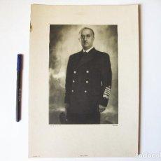 Militaria: CARTEL O LÁMINA ORIGINAL HUECOGRABADO DEL GENERALÍSIMO FRANCO CON UNIFORME DE MARINA. Lote 102040179
