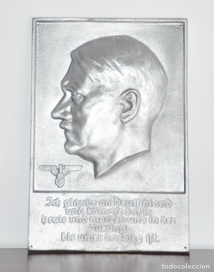 PLACA ALEMANA .ADOLF HITLER .FUNDICIÓN DE HIERRO (Militar - Propaganda y Documentos)