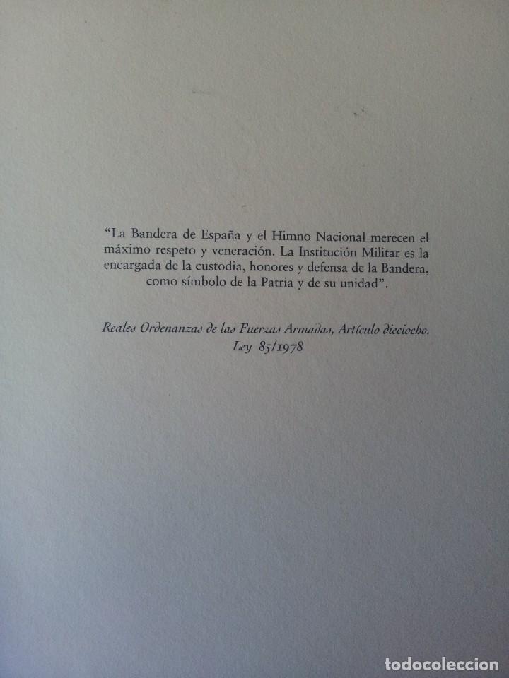 Militaria: LA BANDERA DE ESPAÑA. FACSIMIL DE LA COPIA ORIGINAL DE 1785 + LAMINA HISTORIA Y EVOLUCIÓN - Foto 3 - 116433795