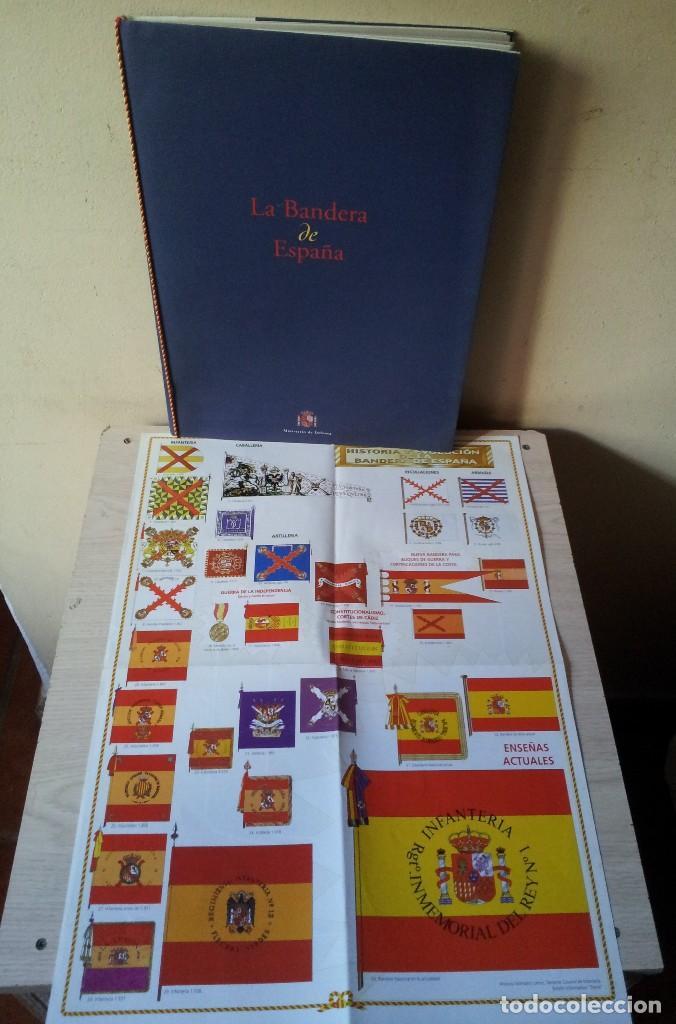 Militaria: LA BANDERA DE ESPAÑA. FACSIMIL DE LA COPIA ORIGINAL DE 1785 + LAMINA HISTORIA Y EVOLUCIÓN - Foto 10 - 116433795