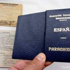 Militaria: CARNET DE PARACAIDISTA. FEDERACIÓN AERONÁUTICA Y CARNET MINISTERIO DEFENSA. SARGENTO. BUEN ESTADO.. Lote 122473991