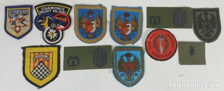 Militaria: COLECCIÓN DE DOCUMENTACIÓN, BANDERINES E INSIGNIAS MILITARES. AÑOS 70/80. - Foto 3 - 123580151