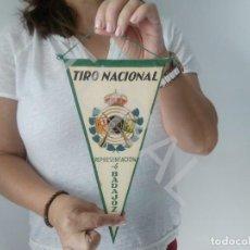 Militaria: TUBAL BANDERIN TIRO NACIONAL REPRESENTACION DE BADAJOZ. Lote 128973703