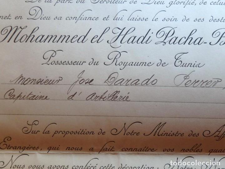 Militaria: (JX-180803)Notificación,concesión y diploma de Comendador de la Orden de Nichan Iftikhar,Tunez 1906 - Foto 7 - 129694703