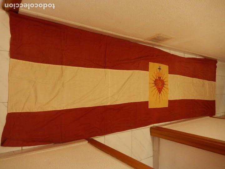 Militaria: Bandera patriótica de balcón. Sagrado Corazón. Guerra civil y Postguerra. - Foto 3 - 137226290