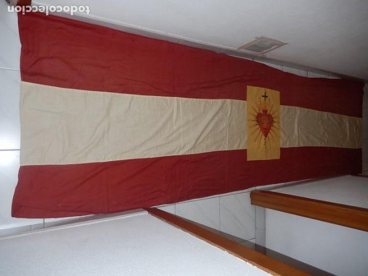 Militaria: Bandera patriótica de balcón. Sagrado Corazón. Guerra civil y Postguerra. - Foto 5 - 137226290