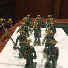 Militaria: BONITO CONJUNTO SOLDADO DE LA GUARDIA CIVIL DE PLASTICO. Lote 137290445