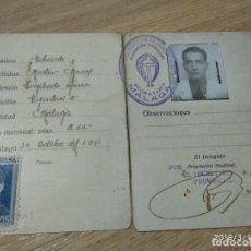 Militaria: ANTIGUO CARNET FALANGE ESPAÑOLA, TRADICIONALISTA AÑO 1941, ESTA PARTIDO EN DOS. Lote 155828102