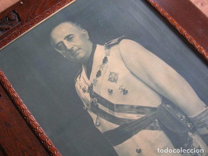EXCEPCIONAL RETRATO DEL CAUDILLO GENERALISIMO FRANCO. AÑOS 40. GRANDES DIMENSIONES. JERARCA. FALANGE (Militar - Propaganda y Documentos)