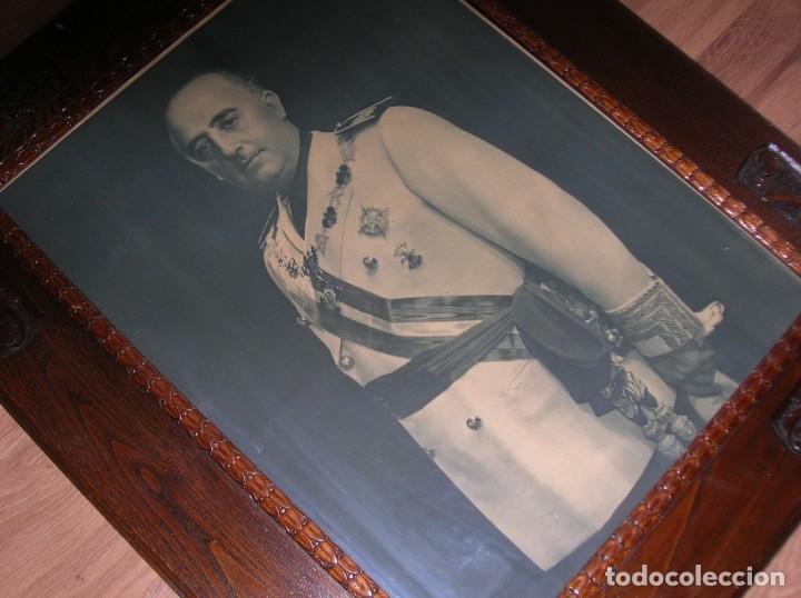 Militaria: EXCEPCIONAL RETRATO DEL CAUDILLO GENERALISIMO FRANCO. AÑOS 40. GRANDES DIMENSIONES. JERARCA. FALANGE - Foto 14 - 171748390
