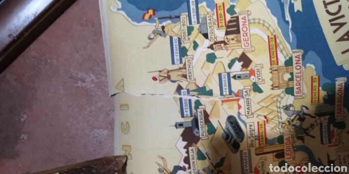 Militaria: Gran póster de la guerra civil y las victorias de Franco, está rajado pero tiene muy buena restaurac - Foto 9 - 175394467