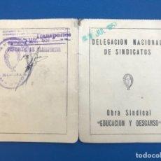 Militaria: CARNET DELEGACION NACIONAL DE SINDICATOS COMPAÑIA TRANSMEDITERRANEA EDUCACION Y DESCANSO CARNET 1957. Lote 176775024