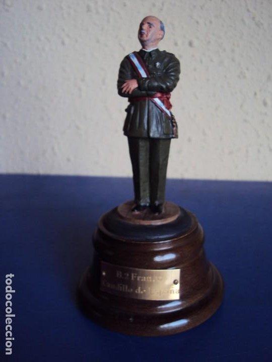 (PUB-200157)FIGURA DE PLOMO DE FRANCISCO FRANCO - CAUDILLO DE ESPAÑA (Militar - Propaganda y Documentos)