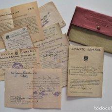 Militaria: CARTILLA MILITAR DE TROPA DE TELA MUY COMPLETA DE DOCUMENTACIÓN (VER FOTOGRAFÍAS) AÑO 1942. Lote 194235130