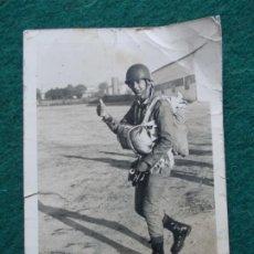Militaria: FOTOGRAFIA PARACAIDISTA ESPAÑOL 12X9. Lote 194274140