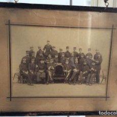 Militaria: GRAN FOTOGRAFIA DE LOS JEFES Y OFICIALES DEL REGIMIENTO SICILIA Nº 7. Lote 194594870