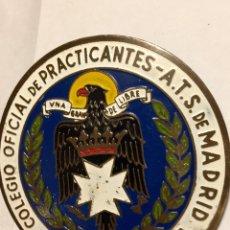 Militaria: ANTIGUA PLACA CHAPA,EMBLEMA,DISTINTIVO NUMERADO ATS MADRID NUMERADA ORIGINAL,FRANCO,FALANGE. Lote 194619377