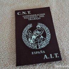Militaria: MAGNIFICO CARNET ANTIGUO CNT AIT CONFEDERACION NACIONAL DEL TRABAJO AÑOS 70 SIN USO. Lote 195009135