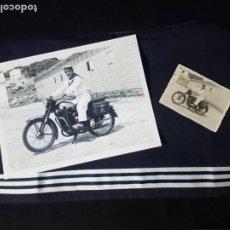 Militaria: FOTOGRAFIA ORIGINAL MARINERO Y MOTOCICLETA,8X6 CM.Y COPIA AMPLIADA 20X15 CM.. Lote 195059067
