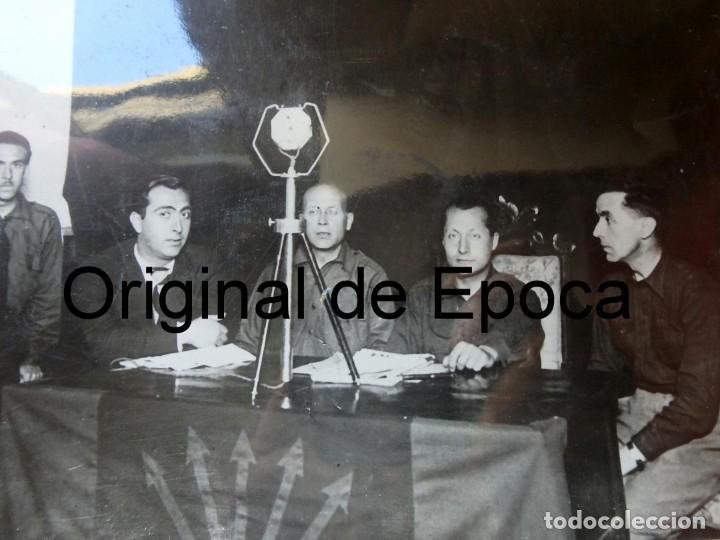 Militaria: (JX-200254)Dos fotografías del Mitin de Jose Antonio Primo de Rivera el 3 de Mayo de 1935 en Bcn . - Foto 4 - 195346623