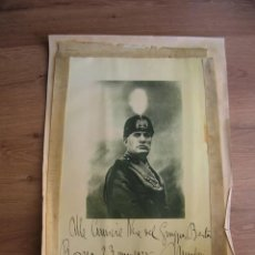 Militaria: MUY RARA FOTOCALCOGRAFIA CON RETRATO DEDICATORIA Y FIRMA DEL DUCE BENITO MUSSOLINI. AÑO 1928.. Lote 213447137
