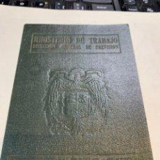 Militaria: CARNET MINISTERIO DE TRABAJO DIR. G. DE PREVISION. Lote 222582381