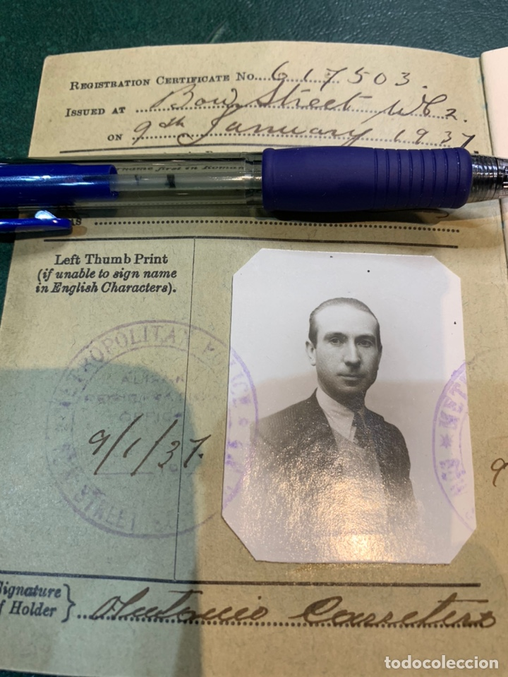 Militaria: Pasaporte Guerra Civil emitido en Reino Unido - Foto 2 - 224812628
