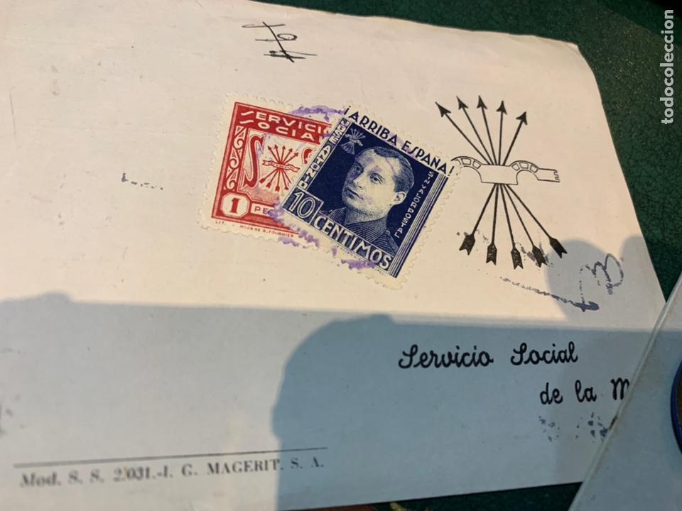 Militaria: Cartilla y distintivo Servicio Social de la Mujer 1948 - Foto 5 - 226215390